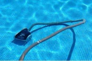 Robot per pulire piscina interrata