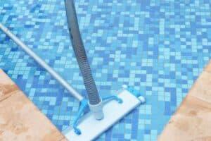 Spazzola per pulire piscina interrata
